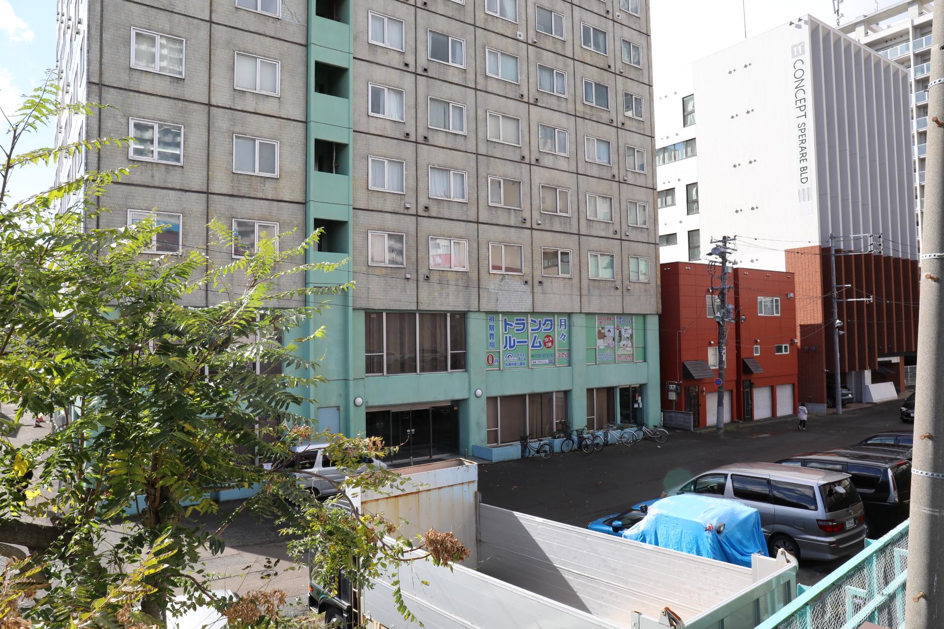 札幌市中央区の屋内型トラクルーム